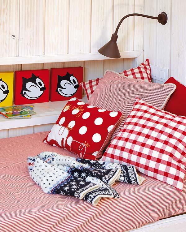 Αξιολάτρευτο κόκκινο παιδικό δωμάτιο3