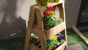 σταντ για βότανα ή φυτά από ξύλινές παλέτες1