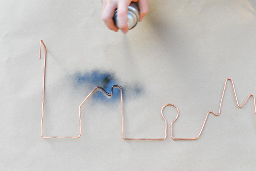 DIY Εξωτερική Σύρματινη κρεμάστρα5
