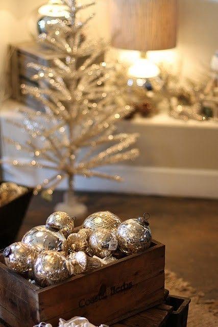 χρυσάφι Και Λευκές Χριστουγεννιάτικες Ιδέες23
