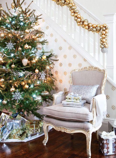 χρυσάφι Και Λευκές Χριστουγεννιάτικες Ιδέες30