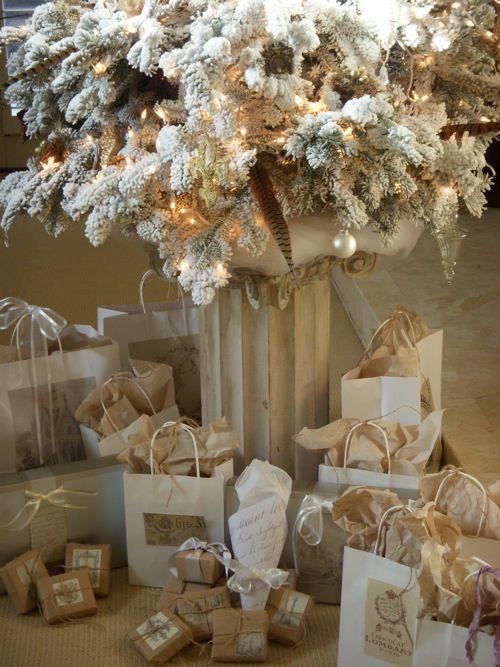 χρυσάφι Και Λευκές Χριστουγεννιάτικες Ιδέες33
