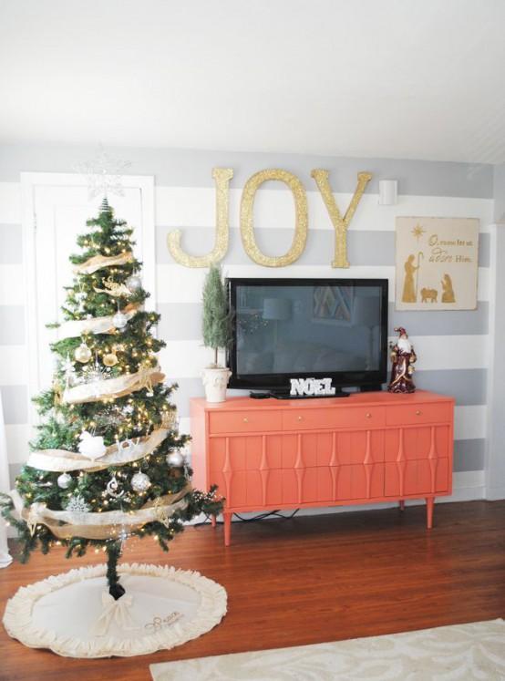 χρυσάφι Και Λευκές Χριστουγεννιάτικες Ιδέες38