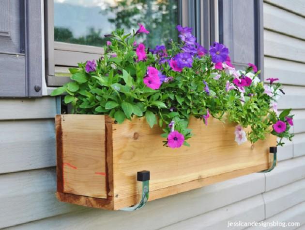Ιδέες με ζαρτινιέρες λουλουδιών για τα παράθυρα σας16