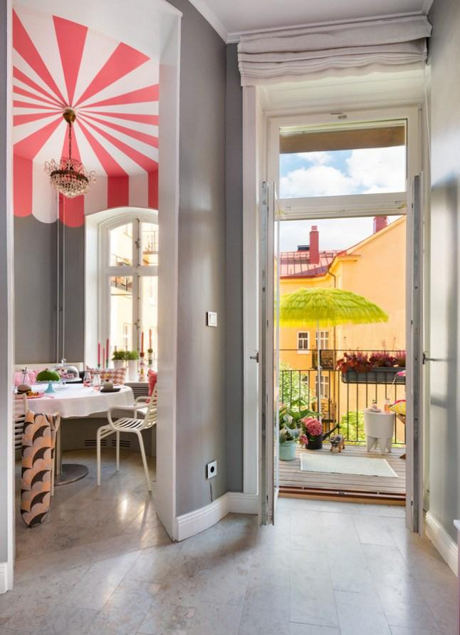 Έντονα χρώματα σε ένα καταπληκτικό σκανδιναβικό διαμέρισμα12