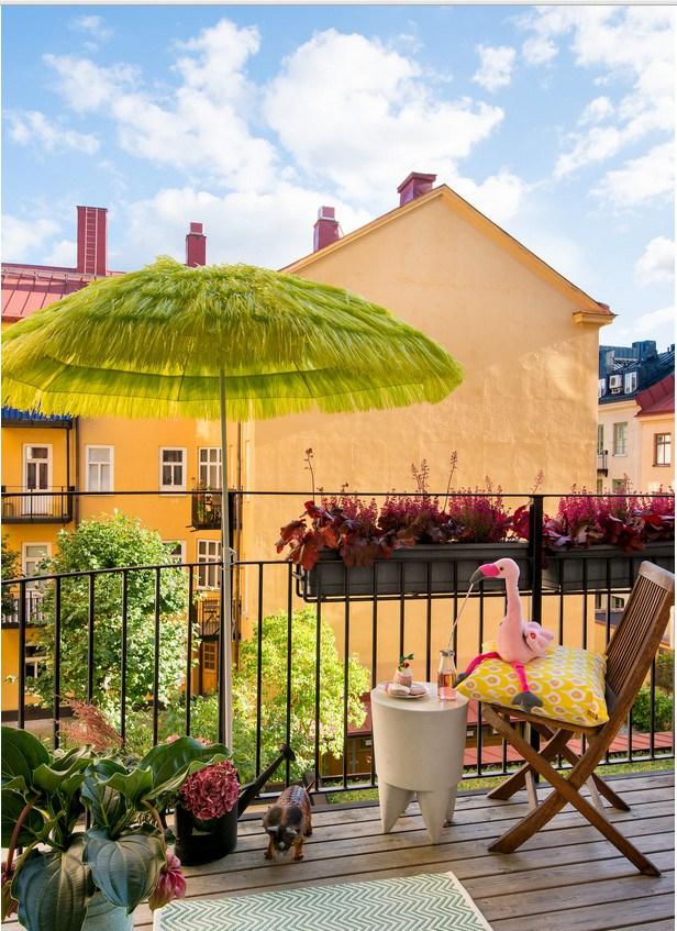 Έντονα χρώματα σε ένα καταπληκτικό σκανδιναβικό διαμέρισμα23