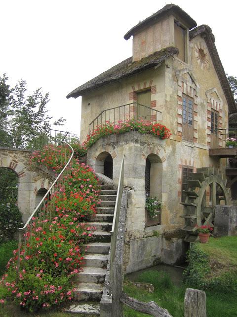 Παραμυθένιο μικρό χωριουδάκι Μαρία Αντουανέτα3