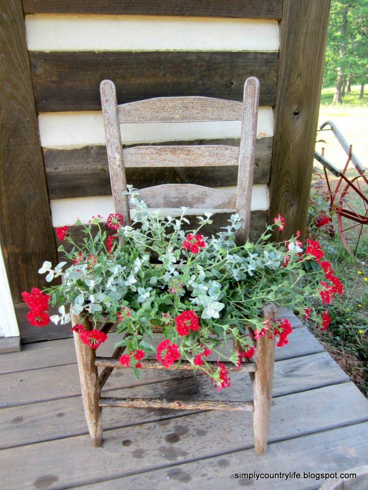 παλιές καρέκλες σε γλάστρες κήπου16