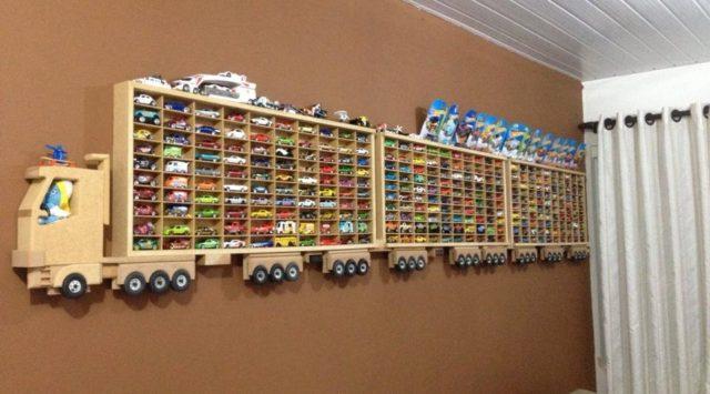 DIY ξύλινο φορτηγό ράφι παρουσίασης Hot Wheels1