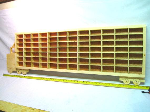 DIY ξύλινο φορτηγό ράφι παρουσίασης Hot Wheels4