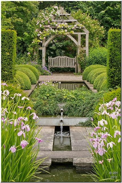 Μυστικοί Κήποι1