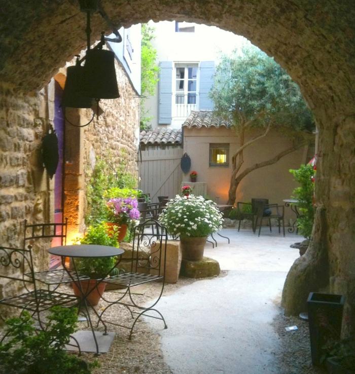 ιδέες σχεδιασμού κήπου στο γαλλικό στυλ8