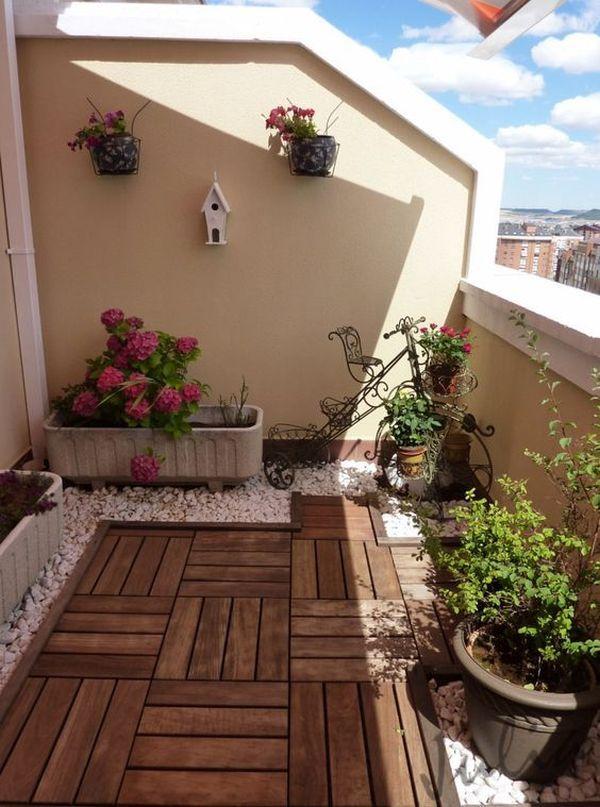 κήπος με λουλούδια στο μπαλκόνι7