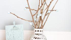 DIY διακοσμήσεις με κλαδάκια για την άνοιξη12