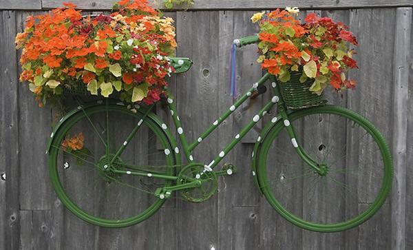 Ιδέες για γλάστρες με παλιά ποδήλατα4