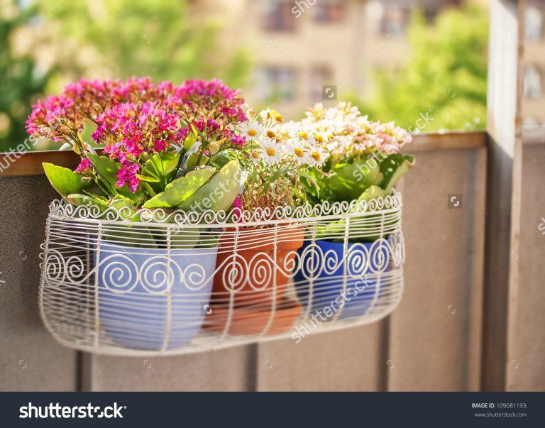 ιδέες με ζαρντινιέρες για το μπαλκόνι σας1