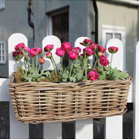 ιδέες με ζαρντινιέρες για το μπαλκόνι σας13