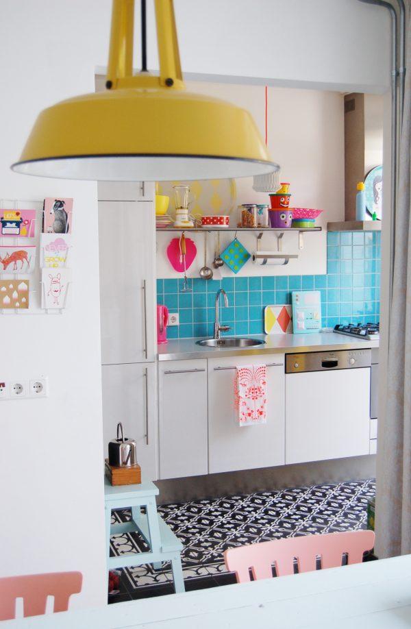 πολύχρωμες κουζίνες18