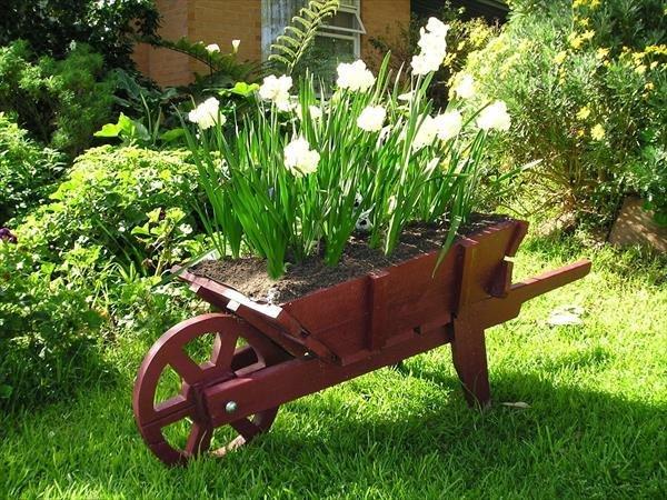 ξύλινα καρότσια κήπου6