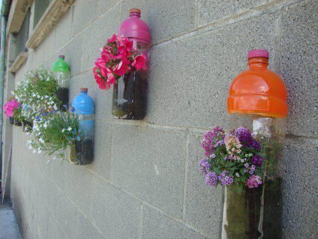 DIY γλάστρες από πλαστικά μπουκάλια11