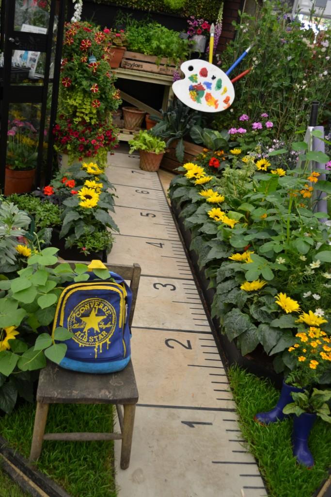 Καλιτεχνικές ιδέες διακόσμησης κήπου10