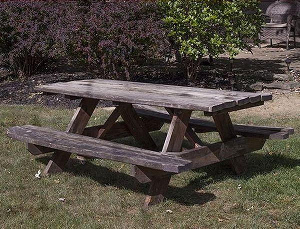 ζωγραφισμένα τραπέζια για τον κήπο15