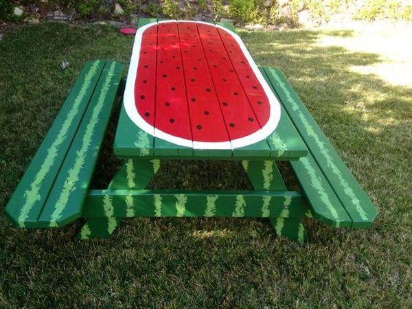 ζωγραφισμένα τραπέζια για τον κήπο3