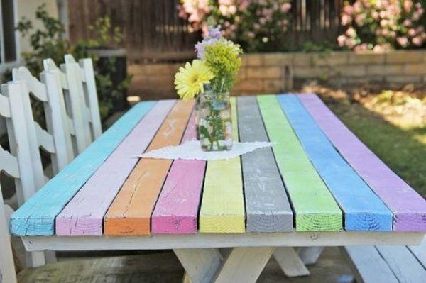ζωγραφισμένα τραπέζια για τον κήπο8