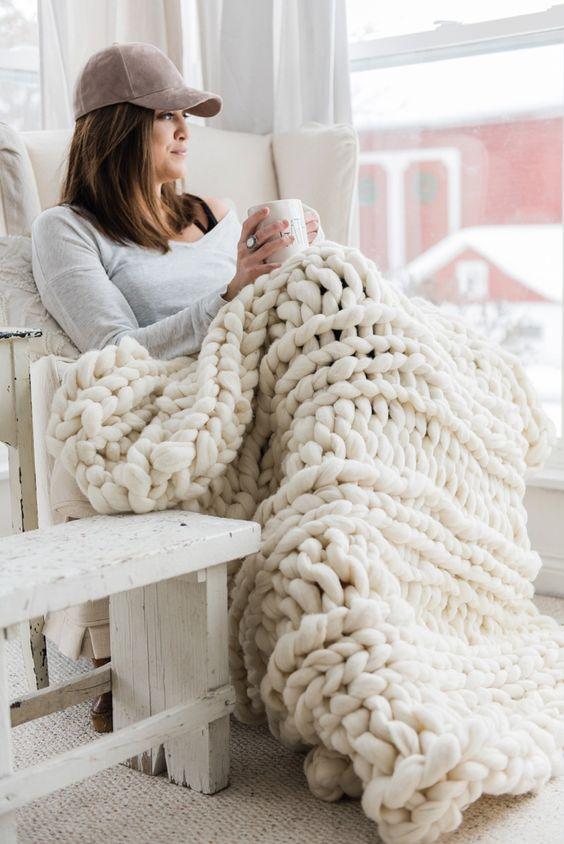 ιδέες διακόσμησης με κουβέρτες παχιάς πλέξης5