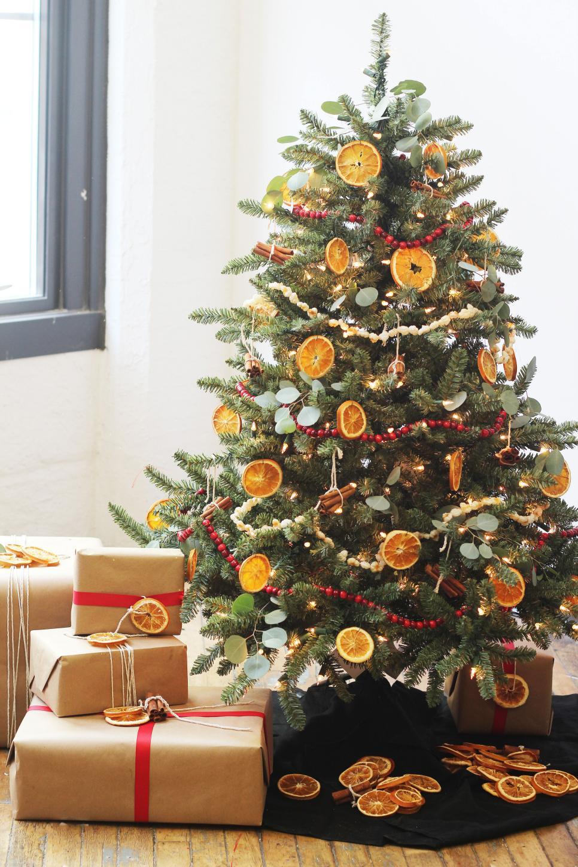 Χριστουγεννιάτικη διακόσμηση με πορτοκάλια2