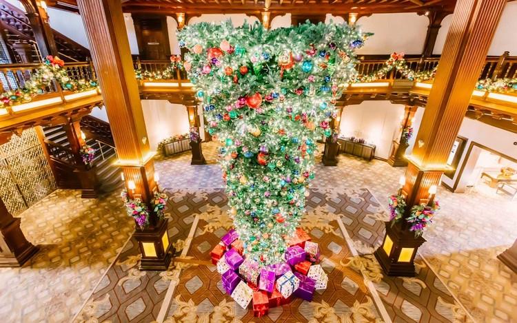 χριστουγεννιάτικο δέντρο ανάποδα2