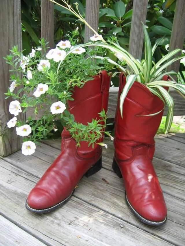 γλαστρες από παλιά παπούτσια4